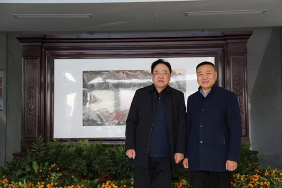 كانغ مينغ نا نرحب ترحيبا حارا من أكاديمي تشيان يي تاي التحقيق والتفاوض بشأن التعاون